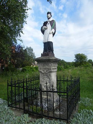 Simontornya, Nepomuki Szent János szobra