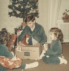 A Bronx Christmas, 1965 (Robert Barone) Tags: 1965 60s bobby bronx carol christmas coldenavenue kodak newyork newyorkcity robert robertbarone sears sixties vilma vintage fotodepoca thebronx