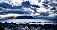 Riflessi di luce su mare setato (alessandrochiolo) Tags: filtro cloud nikkor nikon tamron16300 tamron d3300 maredinverno siciliabedda sicily sicilia sea mare