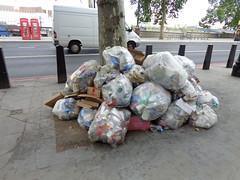 London (DorisFM) Tags: basura trash ciudad city london londres uk unitedkingdom reinounido