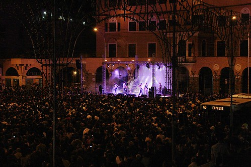 serata per #rinogaetano #folk #cantautore #rock #pop #sottosuolo #underground #live #roma #rome #dalvivo #60express   @ ] ;)::\☮/>> http://www.elettrisonanti.net/galleria-fotografica/