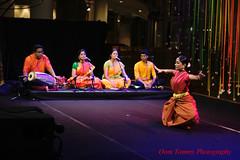 rythm and gesture (tomzcafe) Tags: singapore esplanade bharatanatyam 400d nikkorsauto5014 rhythmandgesture bharathaaarts