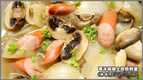 蘑菇炒德國香腸11.jpg