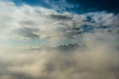 Entre las nubes (Oscar EM) Tags: montserrat cataluña catalunya catalonia manresa montañamagica nubes clouds nubols montaña mountain niebla boira