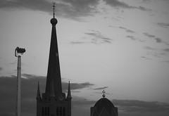 SiGN, (Warmoezenier) Tags: attractie avond church feria goes haan high hoog iglesia kerk kermis klok kruis nederland plezier rooms spits time torre tower wit zeeland zwart