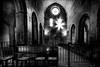 Lumière cadenassée / Padlocked light (vedebe) Tags: noiretblanc netb nb bw monochrome abbaye eglise gordes senanue cistercien lumières lumière provence france architecture