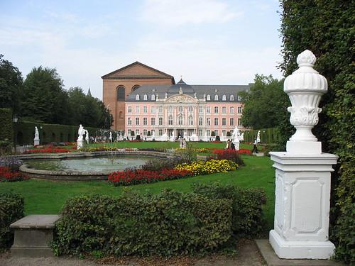 Kurfürstliches Palais und Park