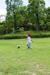 BM7Q4059.jpg (Idiot frog) Tags: trees boy cute adam green grass leaves yard canon ball eos restaurant kid child soccer taiwan     playball               1dx newtaipei