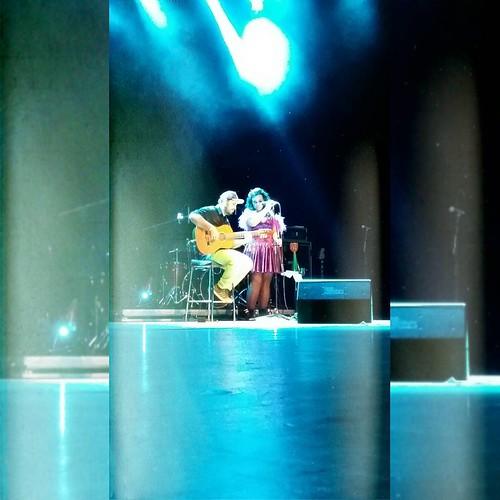 A experiência de viver tudo o que você amou de um CD ao vivo, é impagável. O show da #DancêTour foi maravilhoso e a obrigação de ficar sentado na cadeira de TCA, me fez ficar inquieto! Afinal, dançar sentado é bem ruim... Meu imenso parabéns pra @tuliparu