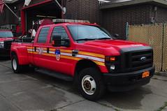 FDNY Brush Fire Unit 166 (Triborough) Tags: nyc newyorkcity ny newyork ford chelsea engine firetruck fireengine statenisland fdny f350 richmondcounty fseries brushtruck bfu newyorkcityfiredepartment brushfireunit brushfireunit166 bfu166