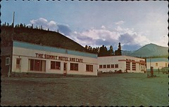 The Summit Motel & Cafe, Alaska Highway, BC (SwellMap) Tags: postcard vintage retro pc chrome 50s 60s sixties fifties roadside midcentury populuxe atomicage nostalgia americana advertising coldwar suburbia consumer babyboomer kitsch spaceage design style googie architecture