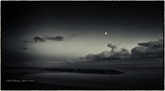 Sundown (rhfo2o - rick hathaway photography) Tags: rhfo2o canoneos7d canon elmer elmersands bognorregis bognor westsussex beach sea seaside seadefences sand clouds moon dark sunset bw blackandwhite mono