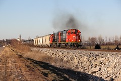 Ex Oakway's now Cn on the Galmem. (Machme92) Tags: bnsf burligrton bn bnsfkline hannibalsub hannibal sky emd cn canadian canon70d oldmonroe railroad railfanning railroads railfans rails rail row railroading