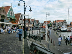 "Volendam - Agosto-2007 - Puerto • <a style=""font-size:0.8em;"" href=""http://www.flickr.com/photos/15452905@N02/32159501402/"" target=""_blank"">View on Flickr</a>"
