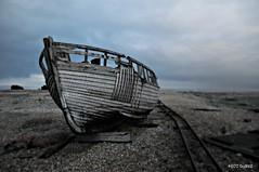 Dungeness Life (www.hot-gomez-fotografie.de) Tags: dungeness kent kentlife uk beach shale boat ruin relic rotting old fishing nikon nikonflickraward