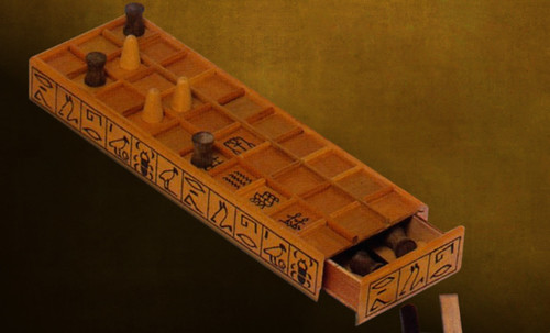 "Senet - Lujoso sistema de objetos lúdicos obsequio del dios Toht a la faraona Nefertari • <a style=""font-size:0.8em;"" href=""http://www.flickr.com/photos/30735181@N00/32399620861/"" target=""_blank"">View on Flickr</a>"