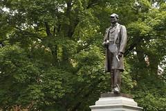 Cornelius celebrates women's tennis (Vanderbilt University) Tags: usa statue championship unitedstates tn nashville vanderbilt celebration tennis cornelius