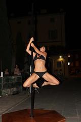 athletic girl (SergioBarbieri) Tags: show girl gymnast brunette poledance spettacolo femalebody brunetta athleticgirl ginnasta athleticbody ragazzadinamica girldynamic