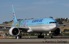 HL8209 (Martin J. Gallego. Siempre enredando) Tags: plane airplane korean boeing avion barajas planespotting boeing777 koreanair b777 lemd hl8209