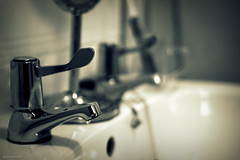 (andrewlee1967) Tags: canon50d dof taps chrome bathroom ef35mmf2 bokeh andrewlee1967 tap andrewlee