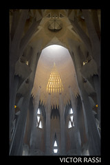 La Sagrada Familia (victorrassicece 2 millions views) Tags: barcelona cidade canon espanha europa paisagem urbano lasagradafamilia 6d colorida 2015 paisagemurbana 20x30 canonef24105mmf4lis canoneos6d cidadeespanhola