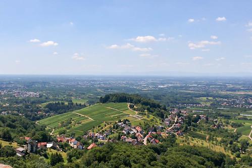 Vue sur Ottersweier depuis le sommet du château Alt-Windeck (alt. 378 m)