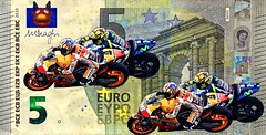 5 EURO MotoGP (driver Photographer) Tags: 5€ 摩托车,皮革,川崎,雅马哈,杜卡迪,本田,艾普瑞利亚,铃木, オートバイ、革、川崎、ヤマハ、ドゥカティ、ホンダ、アプリリア、スズキ、 aprilia cagiva honda kawasaki husqvarna ktm simson suzuki yamaha ducati daytona buell motoguzzi triumph bmv driver motorcycle leathers dainese