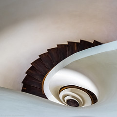 Milk and Chocolate Swirl (katrin glaesmann) Tags: hamburg germany suitehotel stairs wendeltreppe treppenauge eye spiralstaircase photowalkwithmichael fotowalkmitmichael wall up fotowalkmitmichio treppe hotel side matteothun revisited