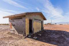 Abandoned Bathroom BUilding (slworking2) Tags: nilandmarina niland saltonsea urbex urbanexploration decay abandoned lake desert california toilet loo bathroom kybo