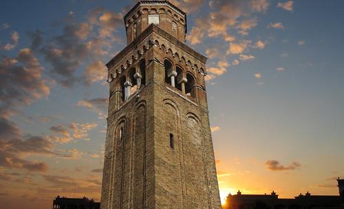 "Torres legendarias / Faros, minaretes, campanarios, rascacielos • <a style=""font-size:0.8em;"" href=""http://www.flickr.com/photos/30735181@N00/32493405946/"" target=""_blank"">View on Flickr</a>"