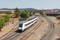 MD17907 | Cáceres (Nohab0100) Tags: españa train tren espanha railway cáceres caf comboio renfe extremadura automotora dmu automotor 598 mediadistancia