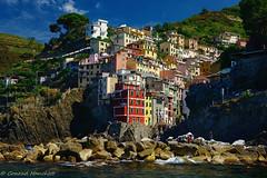 Riomaggiore, Cinque Terre, Italy (conrad_hanchett) Tags: italy liguria cinqueterre riomaggiore paintedhouses colourfulbuildings coastalvillage
