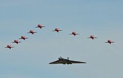 Highlight Of The Day (warspite1915) Tags: hawk vulcan redarrows fairford riat royalinternationalairtattoo rafat xh558 avrovulcanb2 baehawkt1