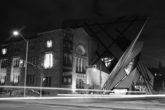 The ROM (hogtown_blues) Tags: toronto ontario canada downtowntoronto bloorstreetwest bloorstreet queensparkavenue avenueroad building architecture rom royalontariomuseum blackandwhite blackwhite monochrome longexposure night afterdark earlymorning