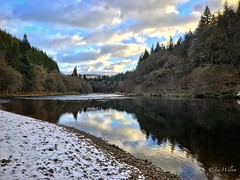 """A stunning, almost """"bluebird"""" day in Perthshire. River Tay, Dunkeld. January 2017. (Jen_wilsonphotography) Tags: dunkeld iphone trees scotspirit visitscotland river reflections clouds bluesky sky snow winter scotland rivertay"""