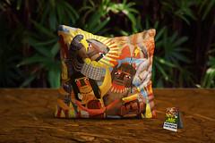 """Almofada """"Descobrindo o Brasil"""" (Alegraziani Produto Ilustrado (11) 96175.8787) Tags: almofadas almofadasbrasileiras decor decoração decora decoraçãodecasa decoraçãodesala interiores design casa indios brasil alegraziani produtoilustrado presente"""