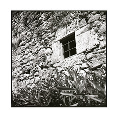 window • besalu, catalunya • 2016 (lem's) Tags: window wall stones pierres mur fenetre besalu catalunya catalogne catalona spain espagne zenza bronica