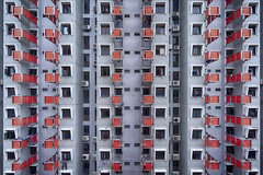 Red dot (mikemikecat) Tags: selegie house public housing estates a7r nostalgia mikemikecat architecture sony stacked building colorful pattern 屋邨 抽象 建築 建築物 城市 天際線 戶外 block cityscapes 建築大樓 vintage carlzeiss 建築結構 基礎建設 fe1635mm sel1635z singapore 新加坡 hdb 組屋 公寓 大廈 cyber scifi