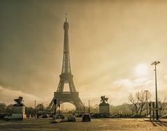 Tour d'Eiffel (McWhite) Tags: paris eiffel eiffelturm city fog nebel light sun cityscape france frankreich