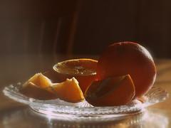 L'orange (SpitMcGee) Tags: orange obst fruit südfrucht schale shell teller plate stilleben spitmcgee