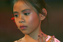 Girl from Cambodja (foto_morgana) Tags: people portraits children belasia cambodja asiafair2006