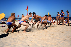 Go! (sengsta) Tags: beach competition run flags sprint lifesaver surfclub surflifesavers northcottesloe sengsterutatafeature