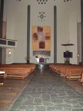 Kreuzkirche Kassel - Blick auf den Altar