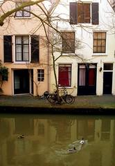 Oudegracht (Utrecht) (Harry Mijland) Tags: holland netherlands dutch canal europa europe utrecht nederland thenetherlands gracht oudegracht dearharry harrymijland
