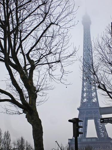 Tour Eifell tête en brouillard by Julie70