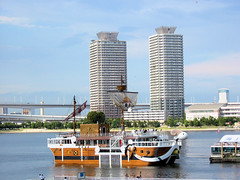 "Odaiba - ""Going Merry"", the boat from One Piece, in Tokyo Bay - by Stéfan"