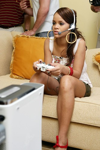 Rihanna Xbox Live Game With Fame by gamerscoreblog.