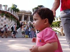 Joana en el Parc Guell (jbf_fotos) Tags: barcelona espaa familia gaud parcguell guell bernal f828 fernndez par joana ferrer
