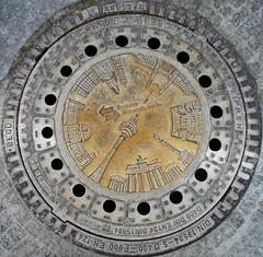 Kanaldeckel - Manhole Cover - by Gertrud K.