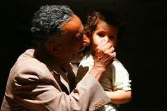 Old man with his granddaughter in Sanaa - Yemen (Eric Lafforgue) Tags: republic child arabic parent arabia yemen arabian sanaa ramadan yemeni yaman arabie yemenia jemen lafforgue arabiafelix  arabieheureuse  arabianpeninsula ericlafforgue iemen lafforguemaccom mytripsmypics imen imen yemni    jemenas    wwwericlafforguecom  alyaman ericlafforguecomericlafforgue contactlafforguemaccom yemenpicture yemenpictures